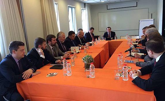 Первая встреча представителей протестантских церквей России и Украины состоялась накануне Пасхи 2014 г. в Иерусалиме.